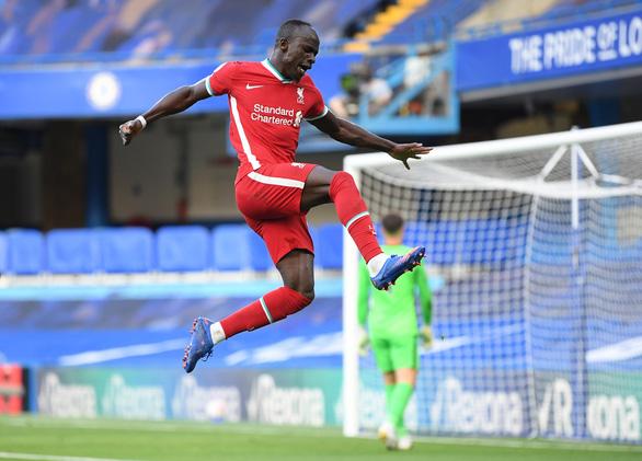 Liverpool thắng dễ 10 người Chelsea - Ảnh 2.