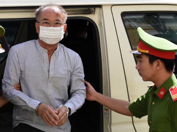 Ông Nguyễn Thành Tài lãnh án 8 năm tù, bà Lê Thị Thanh Thúy 5 năm tù - Ảnh 1.