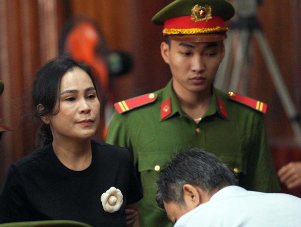 Ông Nguyễn Thành Tài lãnh án 8 năm tù, bà Lê Thị Thanh Thúy 5 năm tù - Ảnh 3.