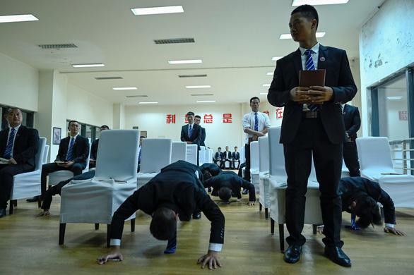 Vô lò đào tạo vệ sĩ cho nhà giàu ở Trung Quốc - Ảnh 5.