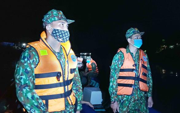 Lính quân hàm xanh ngăn dịch COVID-19 nơi biên ải Tây Nam - Ảnh 2.