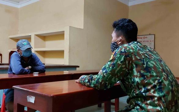 Lính quân hàm xanh ngăn dịch COVID-19 nơi biên ải Tây Nam - Ảnh 4.