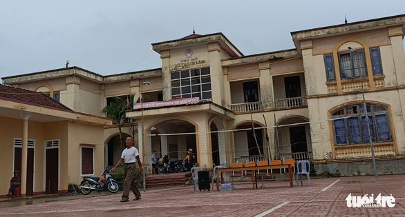Sáp nhập xã ở Hà Tĩnh: Nhiều trụ sở tiền tỉ dư dôi đang bị bỏ đó - Ảnh 1.