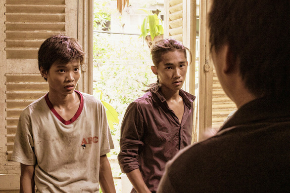 Đạo diễn Phan Gia Nhật Linh: Đừng xem phim ảnh như dưa hấu để phải giải cứu - Ảnh 4.