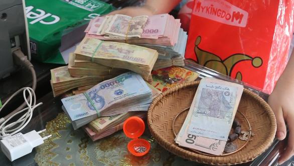 Phá ổ đánh bạc ngàn tỉ bằng cá độ bóng đá, lô đề ở Quảng Bình - Ảnh 1.