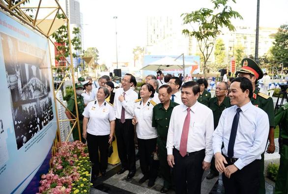 Khai mạc triển lãm kỷ niệm 75 năm ngày Nam bộ kháng chiến - Ảnh 4.