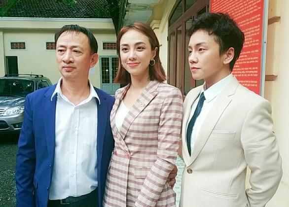 Vụ kiện ông bầu Hoàng Vũ và Miko Lan Trinh: Tranh cãi bản chiến lược 35.000 USD - Ảnh 1.