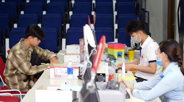 Đại học Hoa Sen tạo điều kiện cho thí sinh khó khăn tài chính trúng tuyển nhập học - Ảnh 3.
