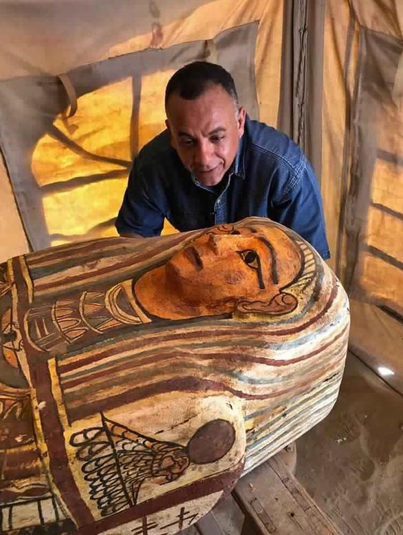 Tìm thấy 27 quan tài 2.500 tuổi nguyên vẹn như mới chôn ở Ai Cập - Ảnh 4.