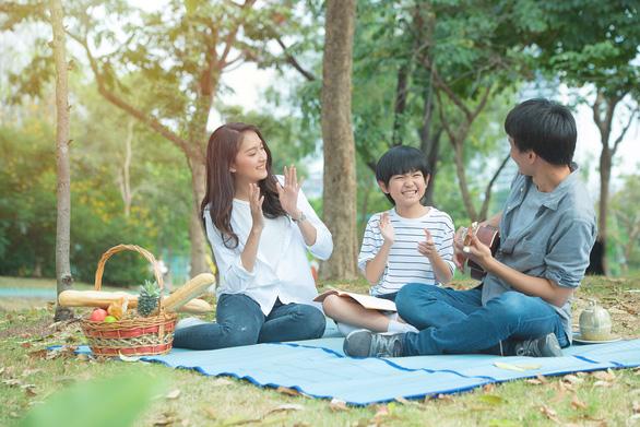 Giới trẻ Việt hiện nay quan điểm về vấn đề an cư lạc nghiệp như thế nào? - Ảnh 1.