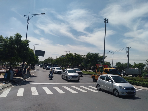 TP.HCM nâng cấp đường Trần Văn Giàu kết nối Long An, vượt tiến độ 3 tháng - Ảnh 1.
