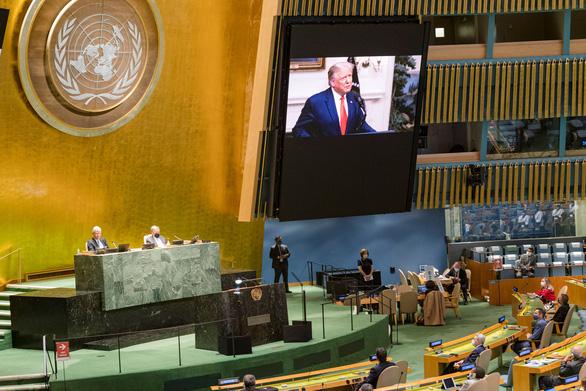 Tại Liên Hiệp Quốc, ông Trump nói Trung Quốc thả dịch bệnh ra thế giới - Ảnh 1.