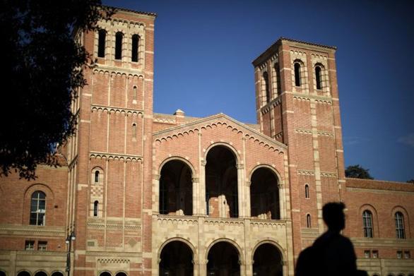 Hệ thống Đại học California đã nhận 64 sinh viên được lo lót trong 7 năm qua? - Ảnh 1.