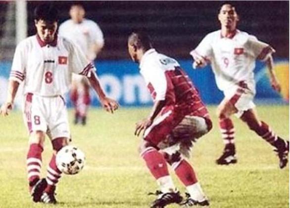 Ly sữa: người hùng thầm lặng của bóng đá Việt Nam - Ảnh 2.