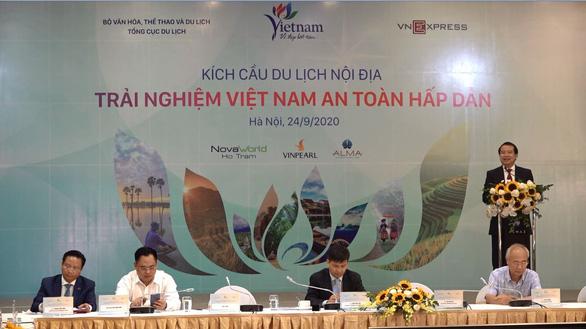 Du lịch Việt Nam tìm giải pháp kích cầu sau khi kiểm soát được COVID-19 - Ảnh 1.