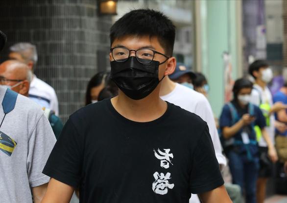 Hoàng Chi Phong bị cảnh sát Hong Kong bắt - Ảnh 1.