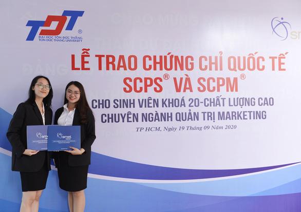 SMEI Việt Nam trao chứng chỉ cho sinh viên Đại học Tôn Đức Thắng - Ảnh 2.