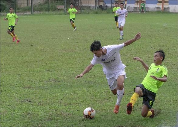 Ly sữa: người hùng thầm lặng của bóng đá Việt Nam - Ảnh 1.