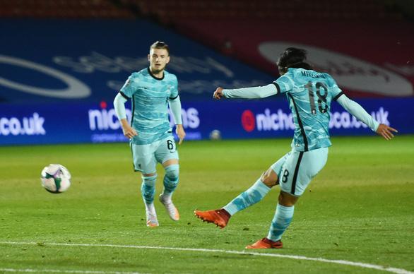 Vùi dập đối phương với 7 bàn thắng, Liverpool đi tiếp ở Cúp Liên đoàn Anh - Ảnh 2.