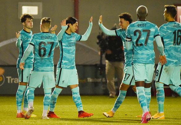 Vùi dập đối phương với 7 bàn thắng, Liverpool đi tiếp ở Cúp Liên đoàn Anh - Ảnh 1.