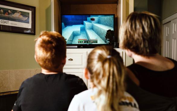 Khảo sát 2.800 trẻ 11-14 tuổi, tất cả đều dùng mạng xã hội, hơn 1/2 chơi game - Ảnh 1.