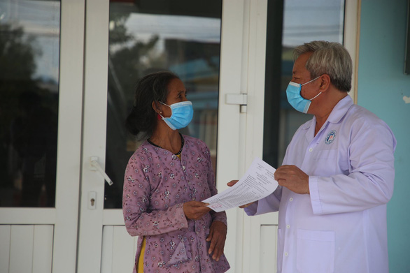 Bệnh nhân tái dương tính COVID-19 đã được cho xuất viện - Ảnh 3.