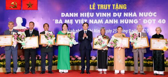 TP.HCM truy tặng danh hiệu cho 41 bà mẹ Việt Nam anh hùng - Ảnh 1.
