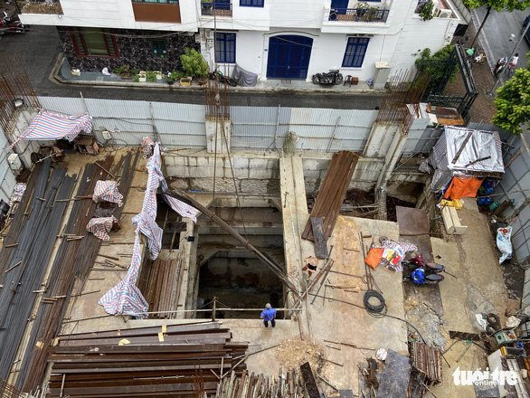 Thủ tướng yêu cầu Hà Nội kiểm tra, giải quyết vụ nhà phố làm 4 tầng hầm - Ảnh 1.