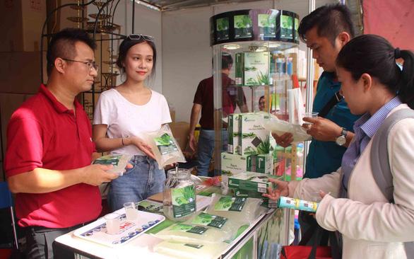 1.000 doanh nghiệp các tỉnh bán đặc sản, dân Sài Gòn kéo nhau đi mua - Ảnh 1.