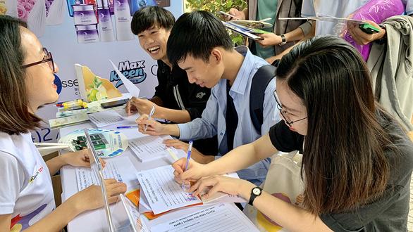 Sinh viên ĐH Quốc gia TP.HCM được vay vốn không lãi suất: Không có tiền vẫn có thể học ĐH - Ảnh 1.