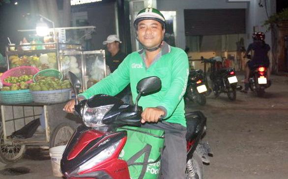 Anh tài xế xe công nghệ vào giảng đường ở tuổi 35 - Ảnh 1.