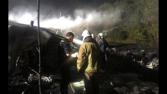 Máy bay quân sự Ukraine gặp nạn, 22 người chết, hầu hết là sinh viên - Ảnh 1.