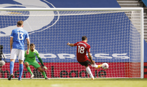Được khung gỗ cứu thua 5 lần, Man Utd thắng nghẹt thở Brighton - Ảnh 7.