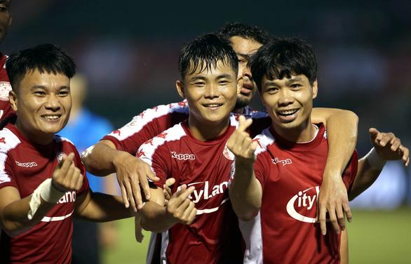 Lập cú đúp thắng Nam Định, nhưng Công Phượng sẽ không được đá với HAGL - Ảnh 1.