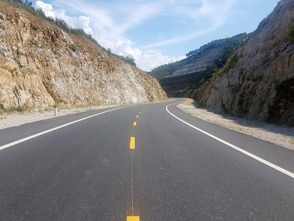 Vì sao đề nghị Bộ Công an phối hợp khi làm đường cao tốc Bắc - Nam? - Ảnh 1.
