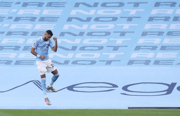 Vardy lập hat-trick, Leicester nhấn chìm Man City tại Etihad - Ảnh 1.