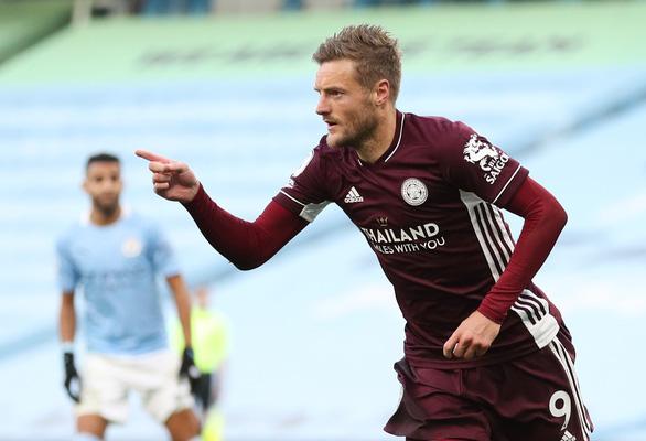Vardy lập hat-trick, Leicester nhấn chìm Man City tại Etihad - Ảnh 4.
