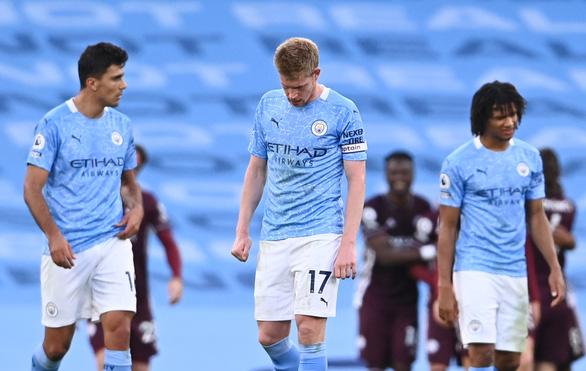 Vardy lập hat-trick, Leicester nhấn chìm Man City tại Etihad - Ảnh 5.