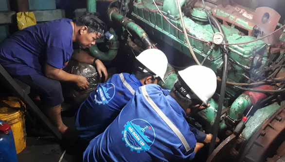Sửa nhiều tàu cá cho ngư dân ở Trường Sa - Ảnh 2.