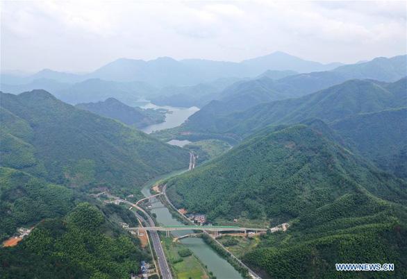 Du lịch nội địa bị dồn nén quá lâu của Trung Quốc sắp bật tung như lò xo - Ảnh 2.