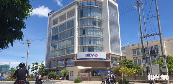 Bắt giam nguyên giám đốc Ngân hàng BIDV Chi nhánh Phú Yên - Ảnh 1.