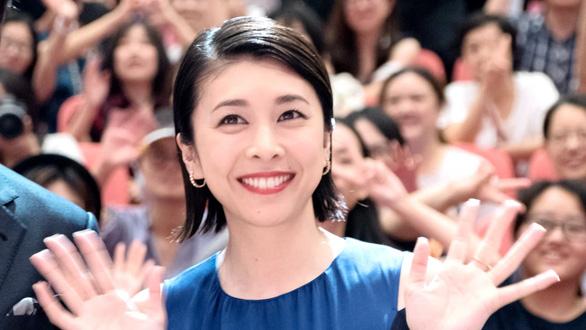 Nhật Bản báo động về tự tử sau cái chết của nữ diễn viên Yuko Takeuchi - Ảnh 1.