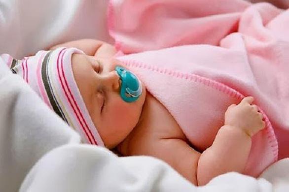 Hiểu rõ làn da trẻ sơ sinh để bảo vệ bé con tốt hơn - Ảnh 1.