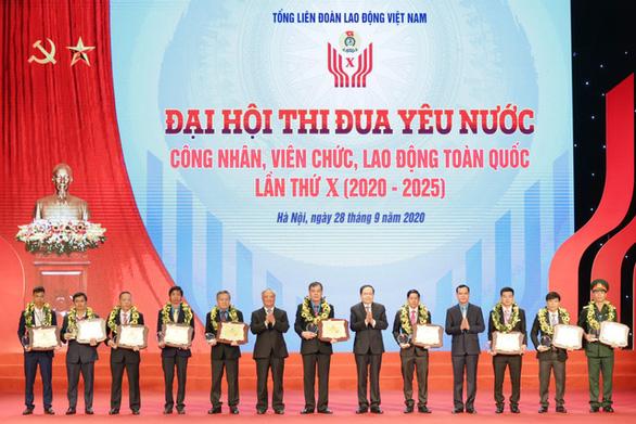 Vinh danh 10 cá nhân xuất sắc tại Đại hội thi đua yêu nước công nhân, viên chức - Ảnh 1.