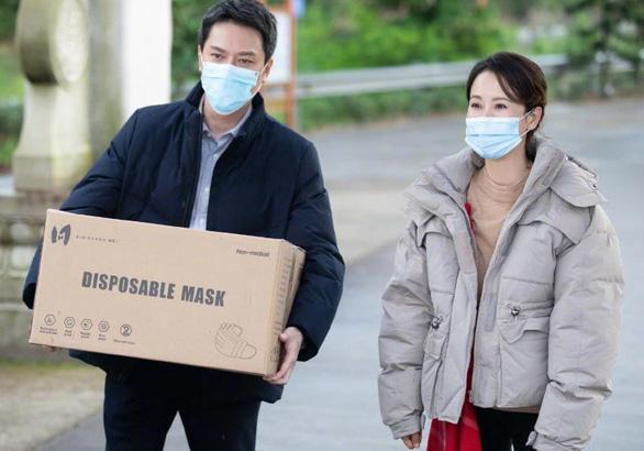 10 câu chuyện cảm động chống COVID-19 đầu tiên lên truyền hình Trung Quốc - Ảnh 11.