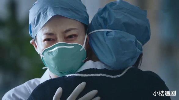 10 câu chuyện cảm động chống COVID-19 đầu tiên lên truyền hình Trung Quốc - Ảnh 5.