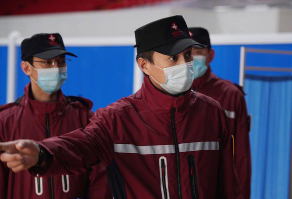 10 câu chuyện cảm động chống COVID-19 đầu tiên lên truyền hình Trung Quốc - Ảnh 8.