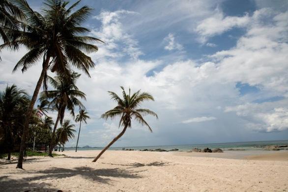 Du khách Mỹ đối mặt 2 năm tù vì bình luận xấu về khu nghỉ dưỡng Thái Lan - Ảnh 1.