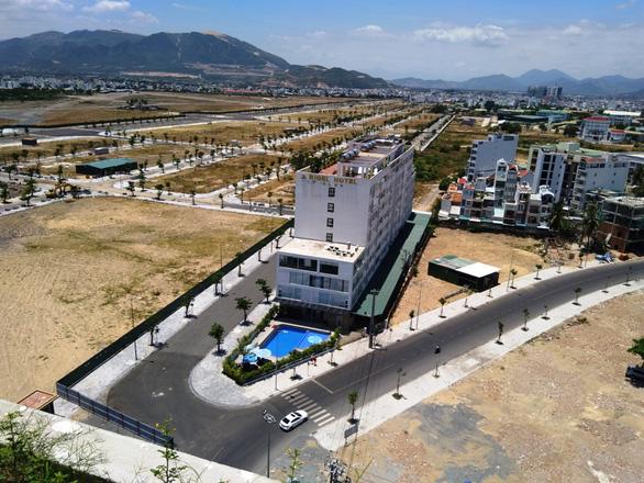 Khánh Hòa: Kỷ luật thêm 4 lãnh đạo, cựu lãnh đạo liên quan đất đai - Ảnh 1.