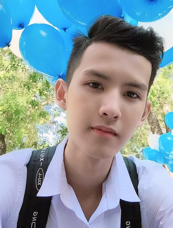 Từ một học sinh cá biệt đến đạt 26,5 điểm thi THPT và trúng tuyển vào ĐH Duy Tân - Ảnh 1.